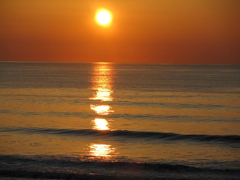 Levé de soleil sur latlantique
