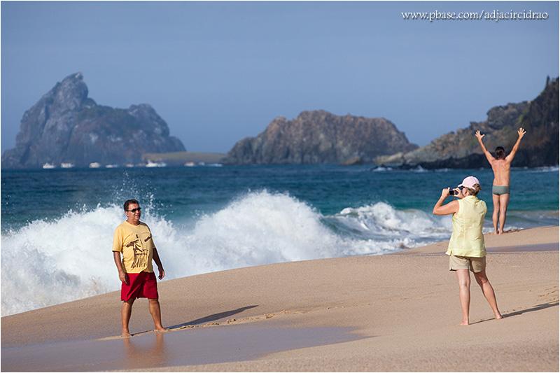 Turístas na Praia do Bode