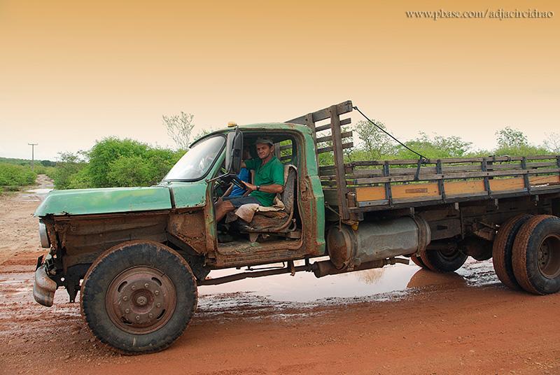 Caminhão Carvoeiro
