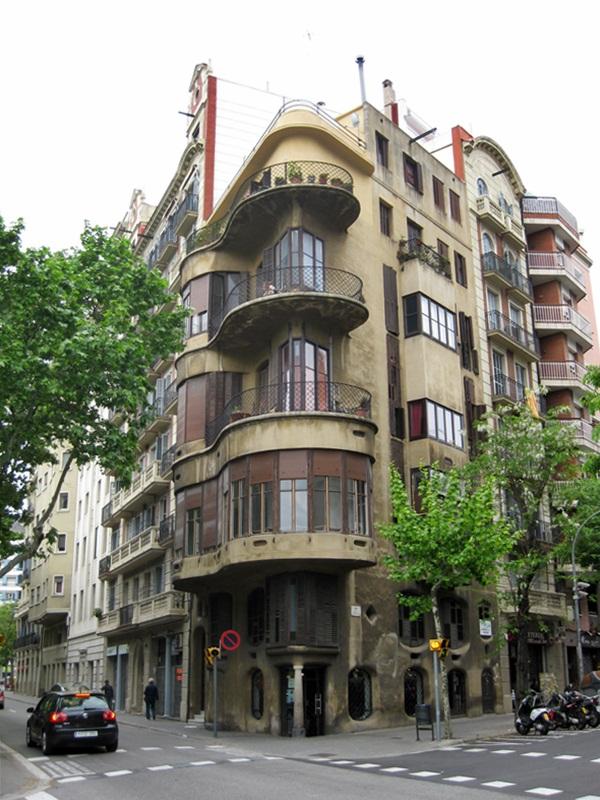 Casa Planells (Diagonal, 332) Josep Maria Jujol i Gibert 1923-1924