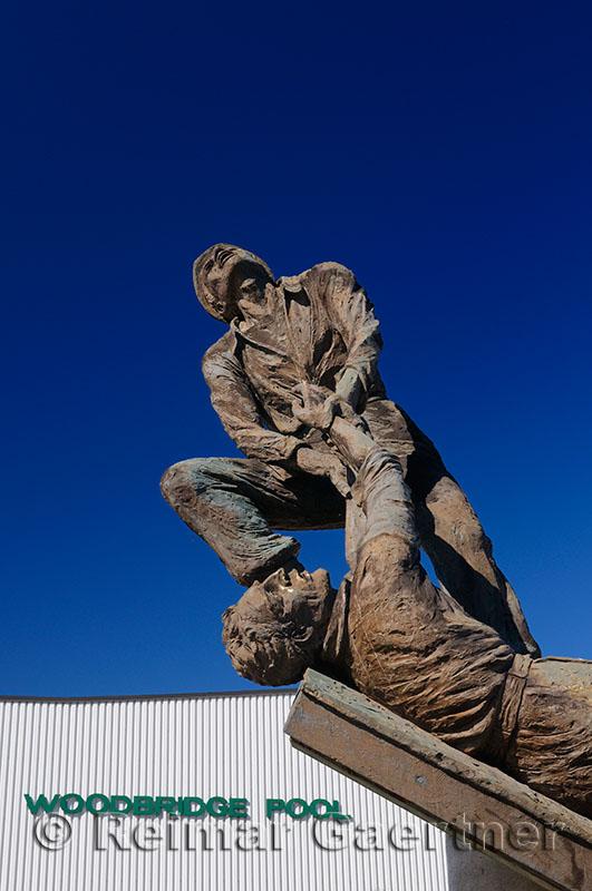 213 Woodbridge Memorial 2.jpg