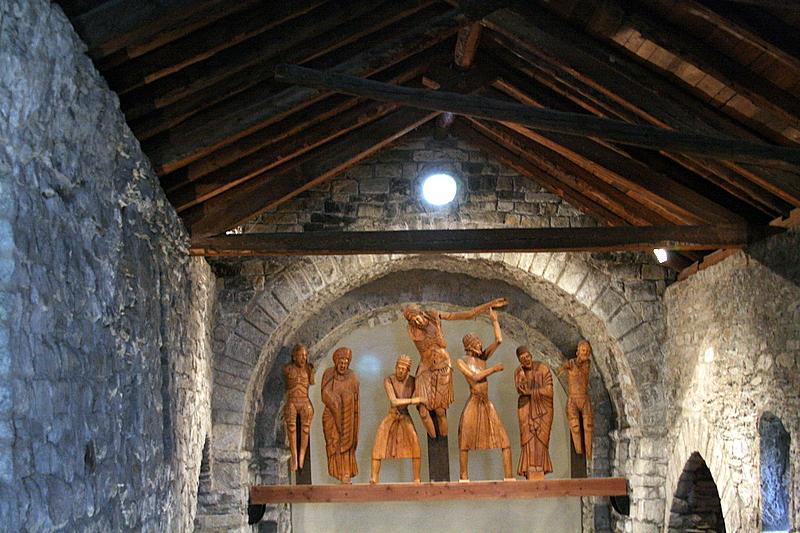 Santa Eulàlia dErill la Vall, Inside.