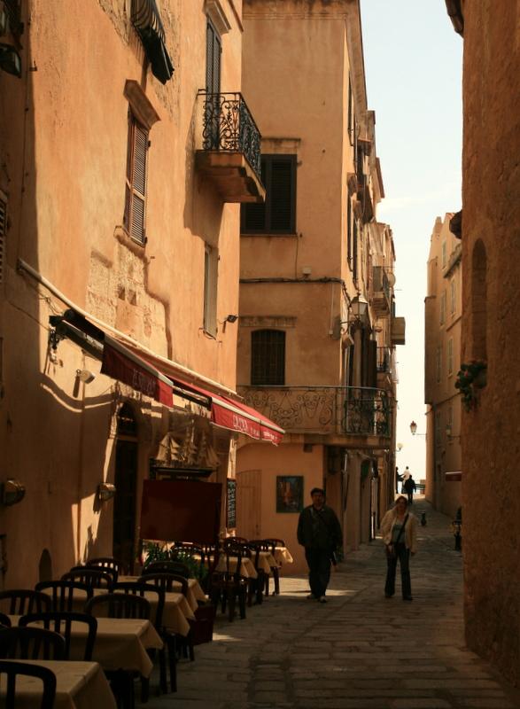 Bonifacio, inside the town.