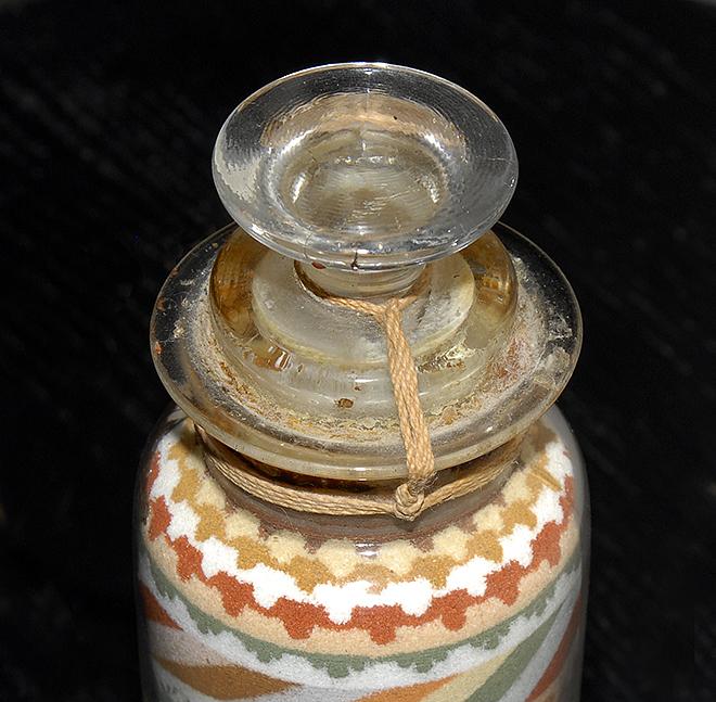 Sandbottle Stopper Detail