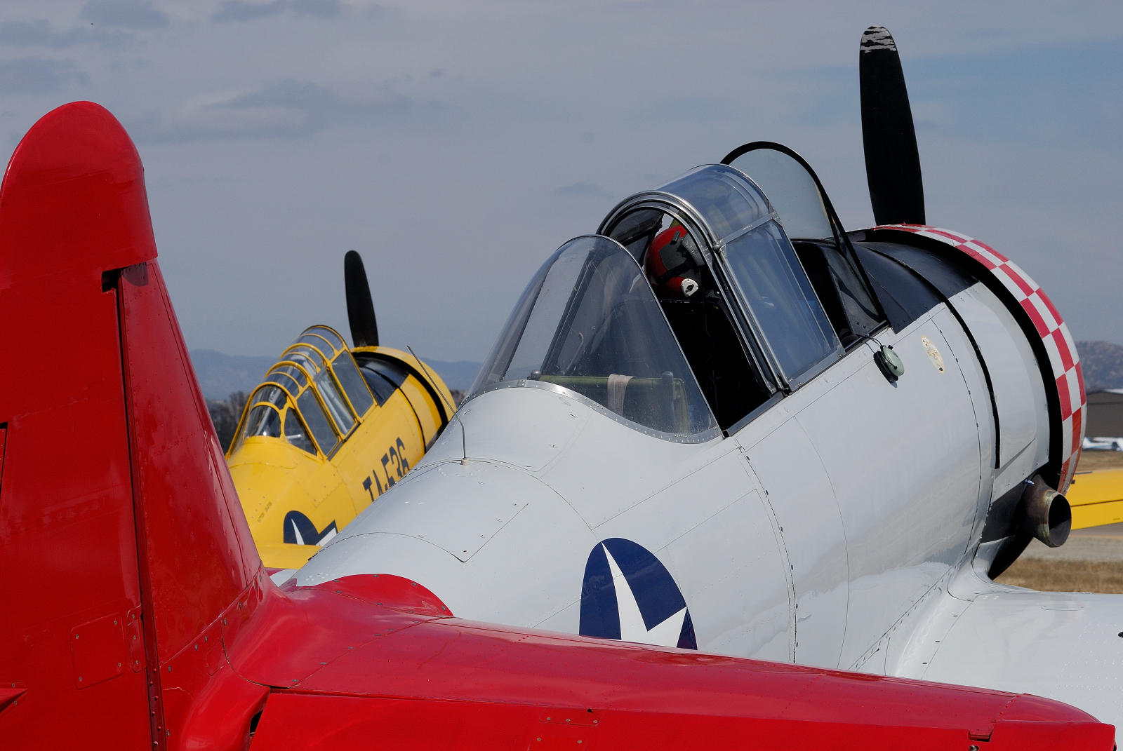 [22] 1953 Harvard MK IV  & 1941 T-6G Texan