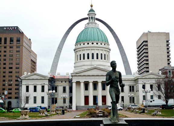 Running Man, Courthouse & Arch