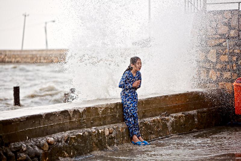 Ocean, meet girl - Bandar Torkaman