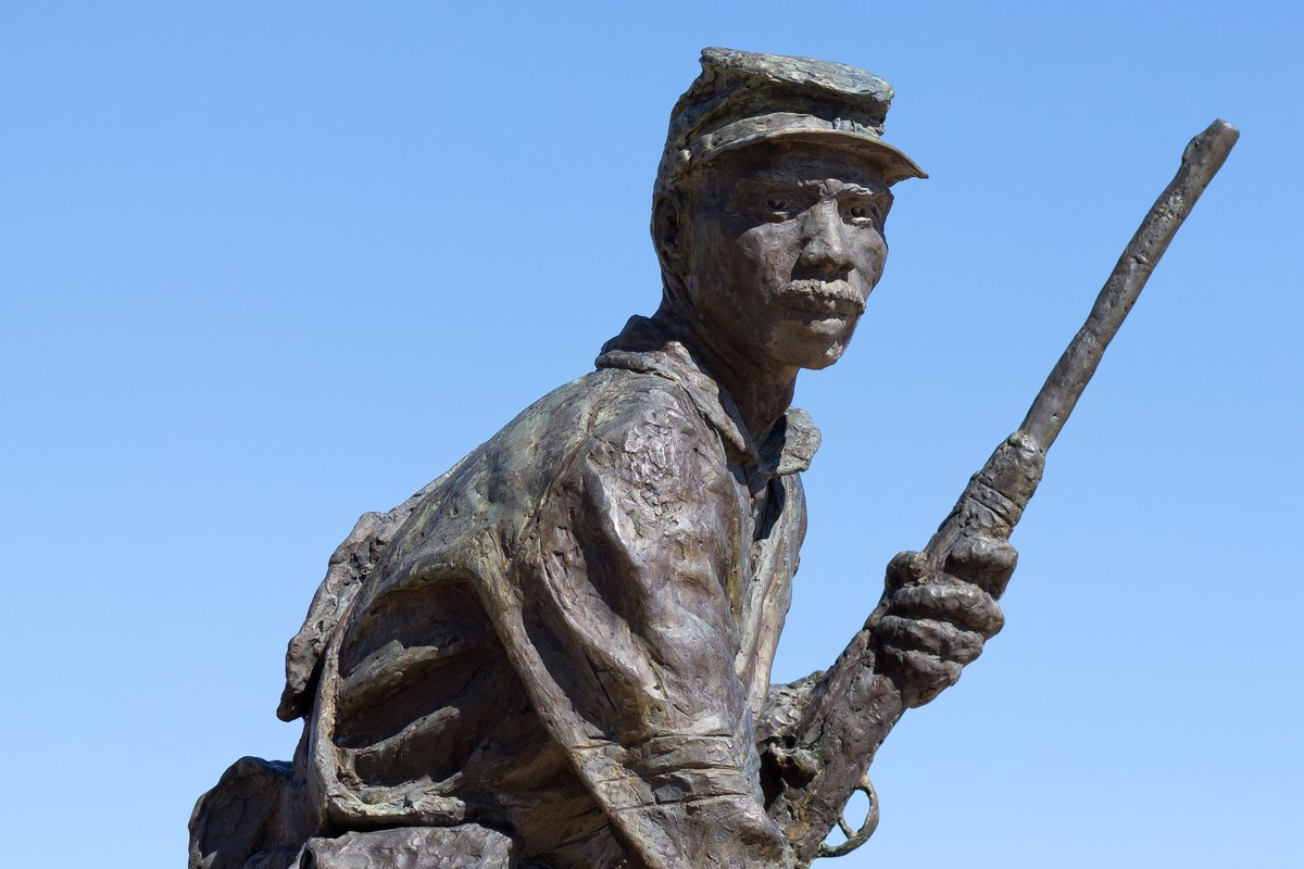 Statue commemorating the Buffalo Soldiers stationed at Fort Selden