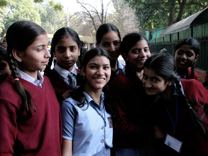 DELHIS SCHOLLGIRLS AT BIRLA HOUSE