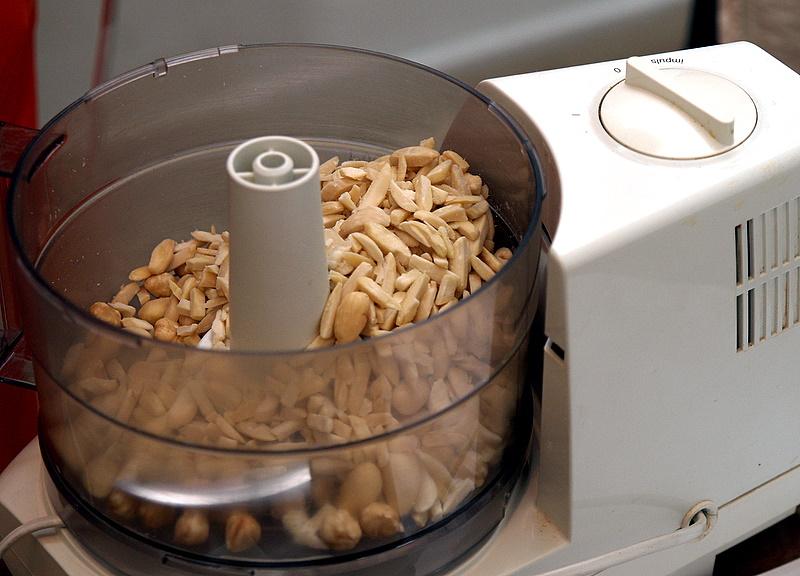 amarPC077811 chopping almonds.JPG