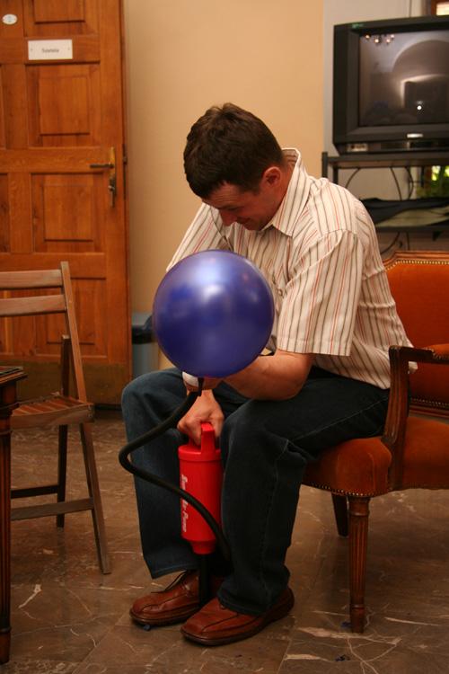 Pumping of ballon