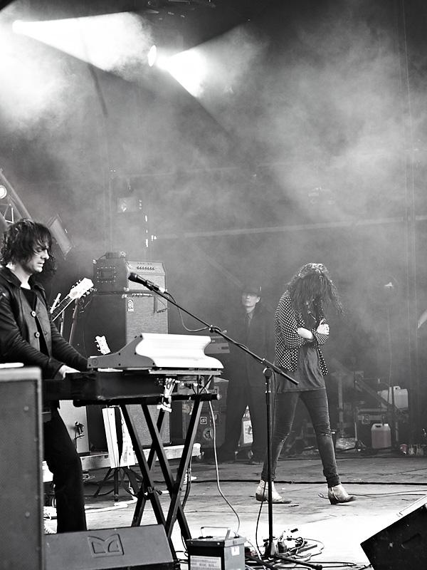 The Dead Weather - Glastonbury
