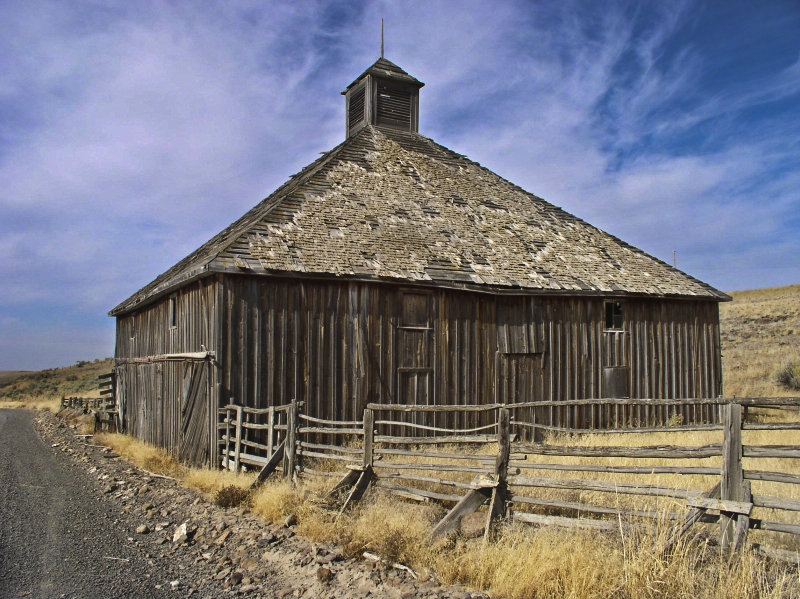 Old barn photo reworked.looks great.jpg