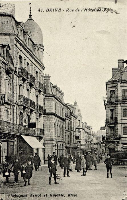 41. BRIVE - Rue de lHôtel de Ville