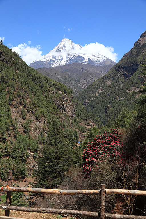 Looking back up the Dudh Koshi valley