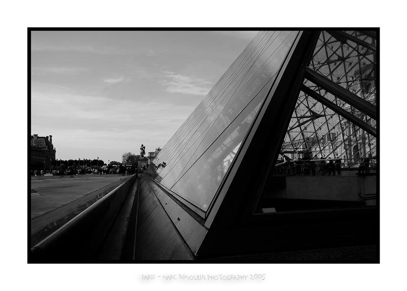 Louvre pyramid 2