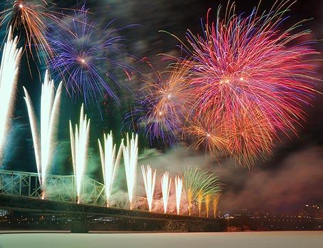 Winterlude 2010 Fireworks (13705)