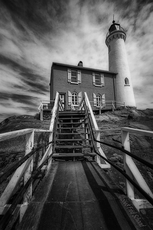 Fisgard Lighthouse (BW)