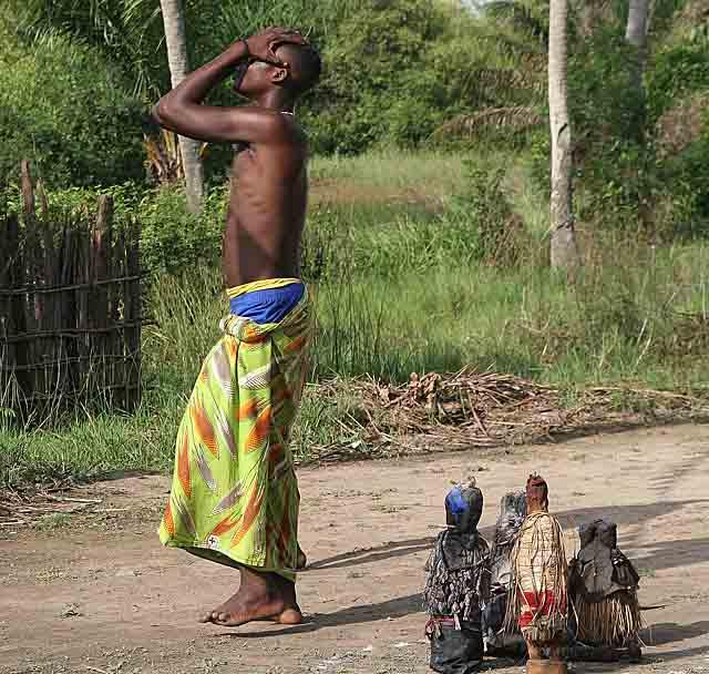 Voodoo. Houndjohoundji, the beginning of the trance dance.
