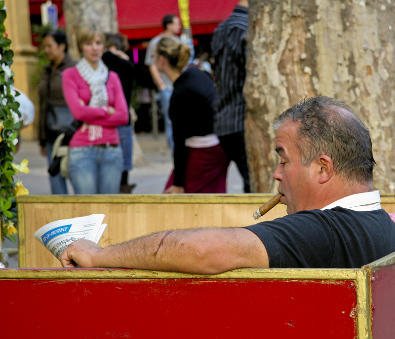 The cigar smoker of Cours Mirabeau