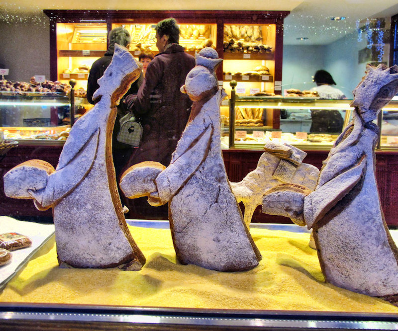 The Three Wise Men of bread arrive...