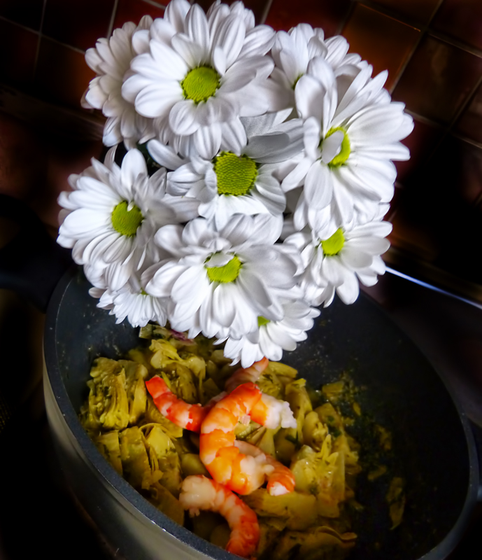 Shrimp and artichoke sauté for greedy daisies
