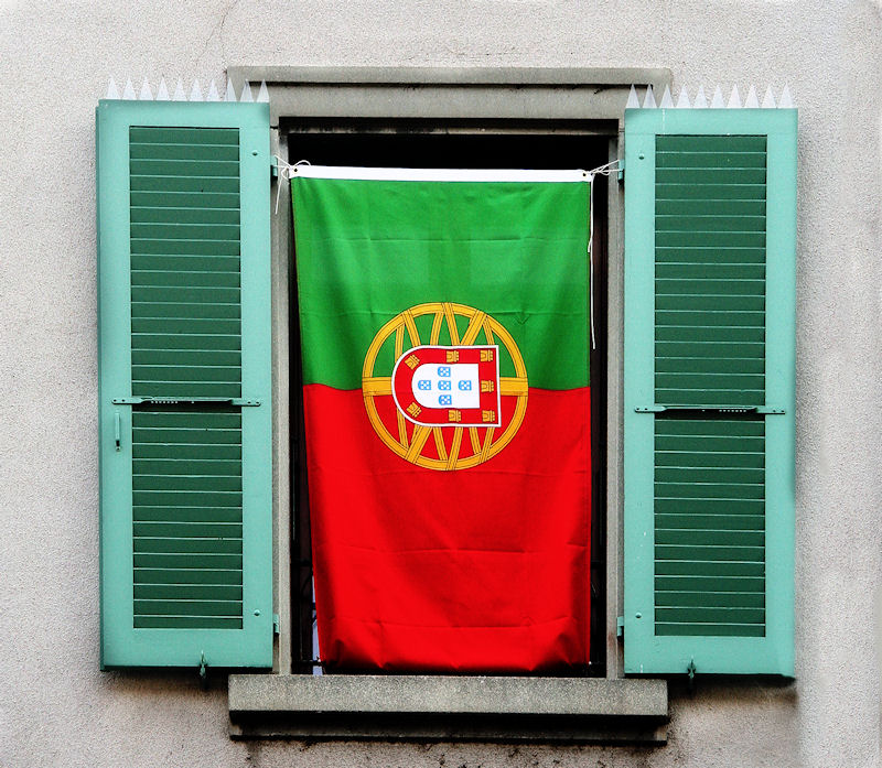 The window which loved soccer and spoke Portuguese...