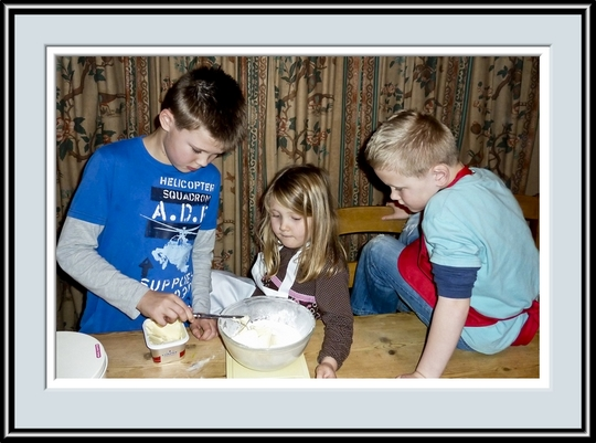 Ben, Abi and Sam Adding The Butter, P1010241.jpg