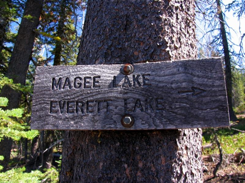 Magee and Everett Lake Vintage Trail Sign
