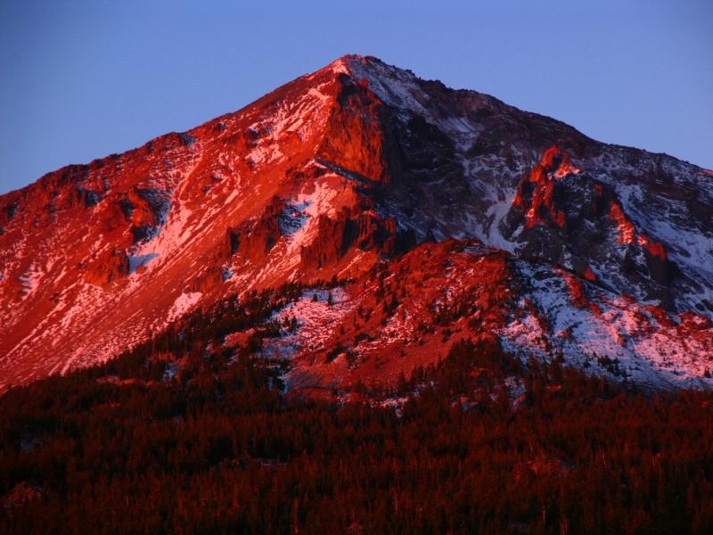 Sunrise on Mt McLoughlin