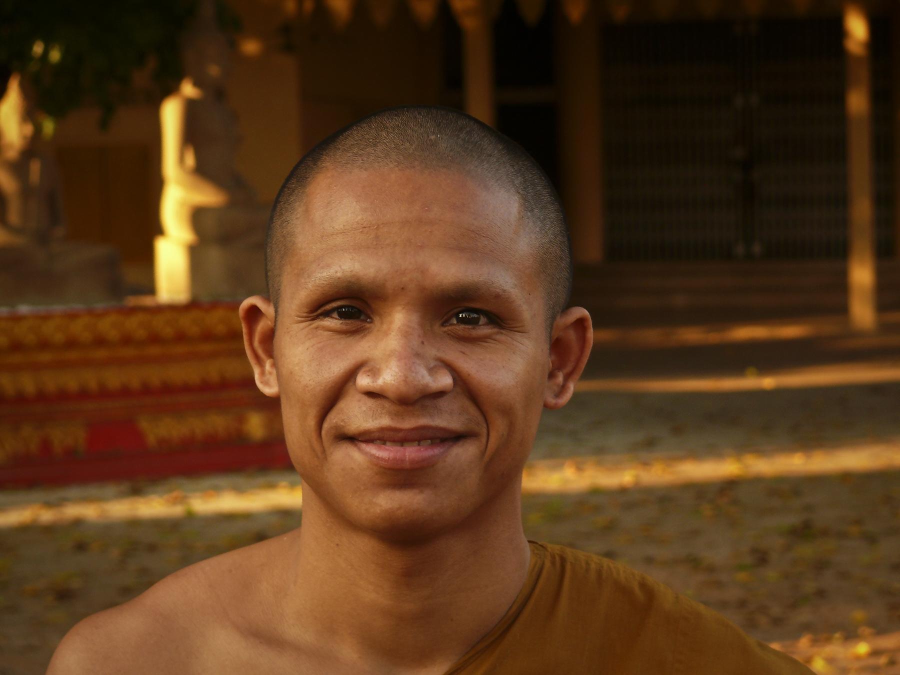 Monk in Pakse.jpg