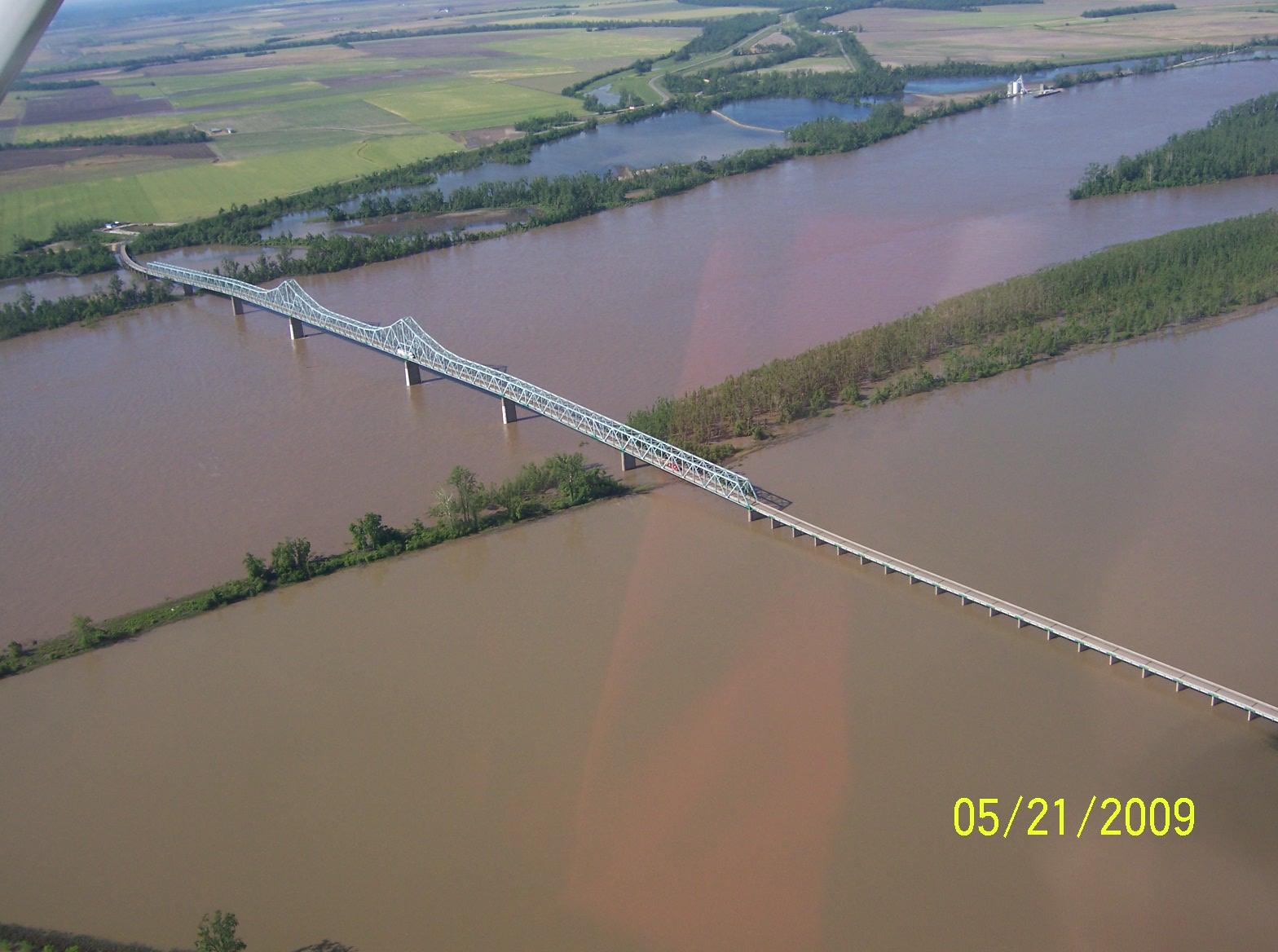 Miss River Bridge-IL to MO