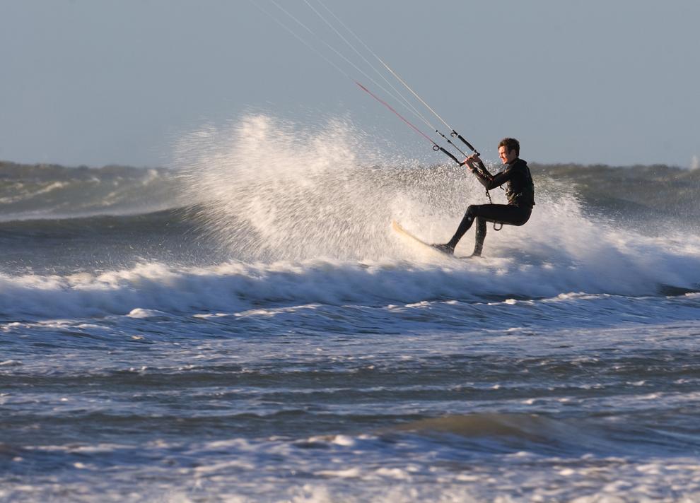 Kiteboard Action2