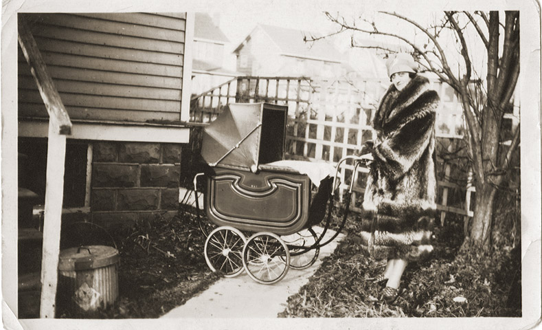 1927 baby carriage