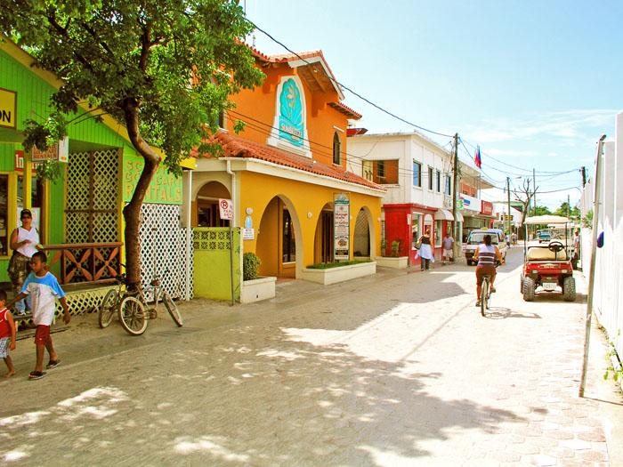 Down town San Pedro, Amergris Caye