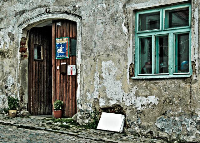 Slavonice: Distressed Door