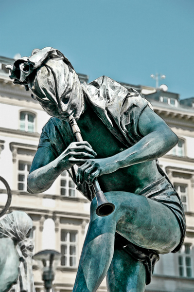 Prague, Flute Player