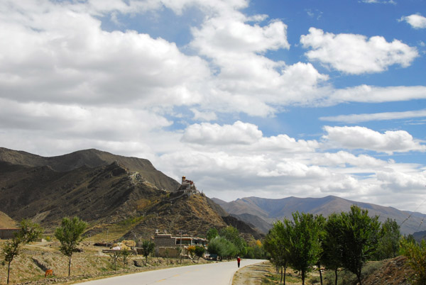 Yarlung Valley, the Cradle of Tibetan Civilization