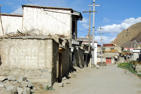 Dusty back streets of old town Tsetang