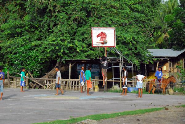 Basketball court of the village of San Isidro, Volcano Island