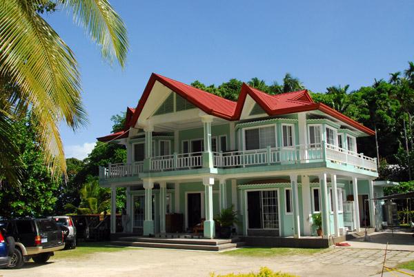 Nice house near the beach in Melekeok