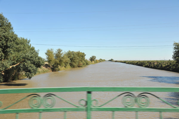 A canal built during the Soviet era relinks Konye-Urgench to the Amu-Darya River