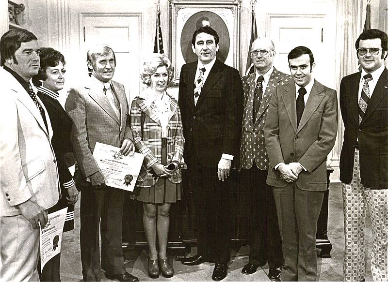 H.B. Cunningham,  (unkown), Coo Coo & Ula Faye Marlin, Tennessee Gov. Winfield Dunn, Bill Donoho, (unknown), Jim Donoho
