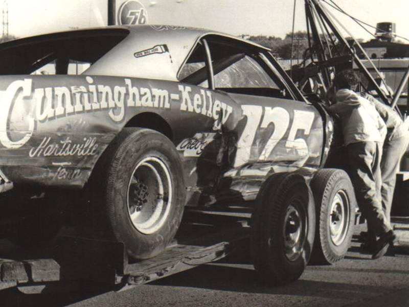 Charlie Binkley in the Cunningham-Kelley #125 Chevrolet