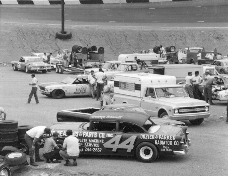 1970 Flameless pits George Bennett  and Jerry Sisco