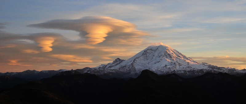 strong turbulence near Mt Rainier