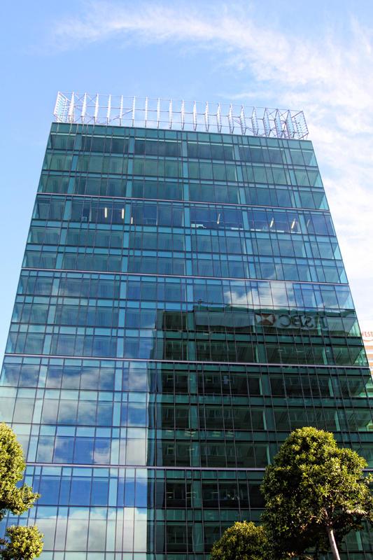 Glass on Queen Street.jpg