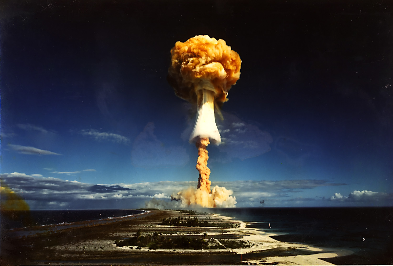 BBC/Bergmann Pictures LTD: French nuclear test Encelade in the South Pacific, 1971