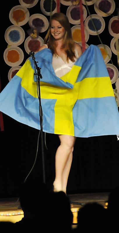 Flagbearer - Sweden - ISU International Night 2008 _DSC0746.jpg