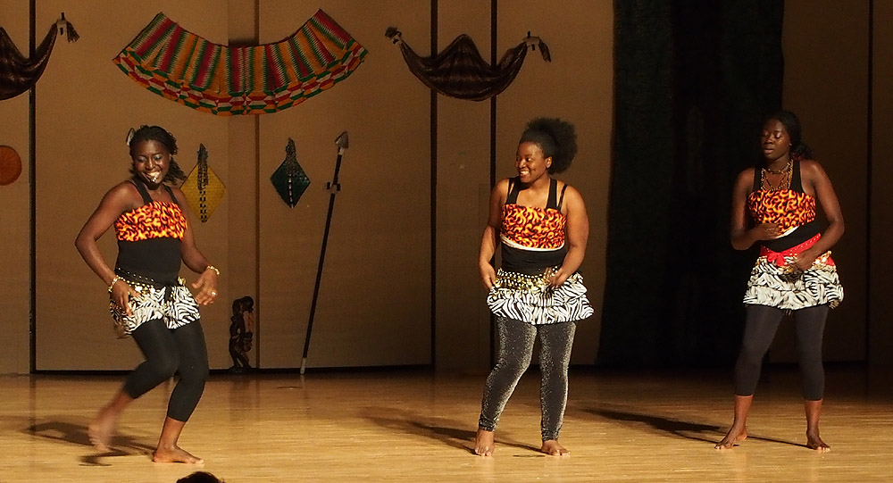 Cameroon Dance at Africa Night 2013 at ISU 047.jpg